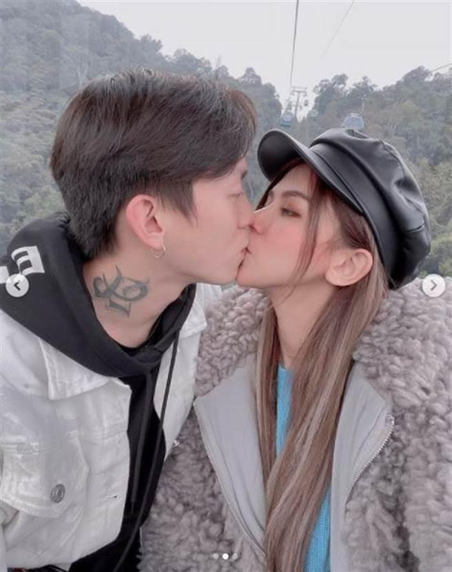 蕾拉(Leila)亲吻唐羽(Tang Yu)的照片很慷慨。  (图片/从IG获得)