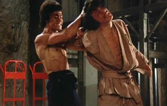 成龙曾经低头看着李小龙,但被对手赶出门-娱乐-中世新闻网
