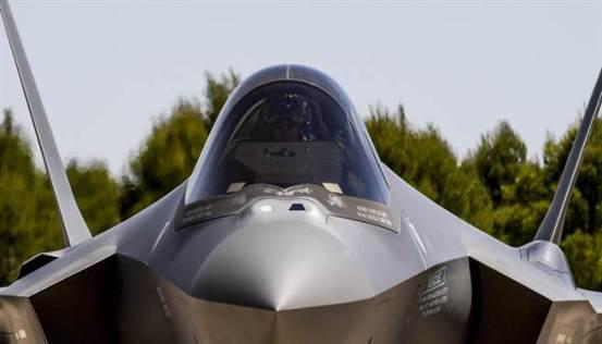 依靠幻想技术来保持台湾和美国空军在军事推动下最终击败大陆。