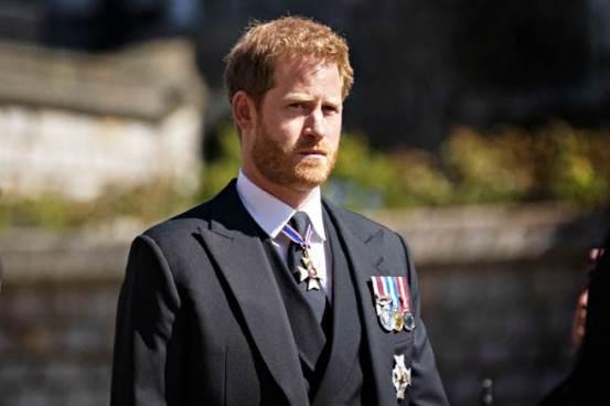 王室回到英国参加葬礼,表达了哈里对葬礼微小行为的真实情感-国际时报中文网
