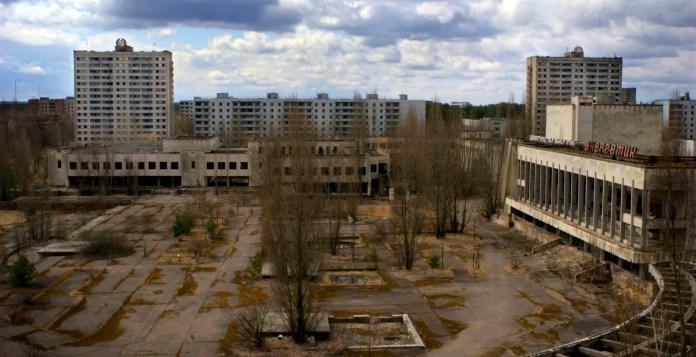 La ciudad desierta de Pripyat, que se evacuó después del accidente, es una instantánea de Europa del Este antes de la caída de la Cortina de Hierro.  EFE/Ricardo Marquina