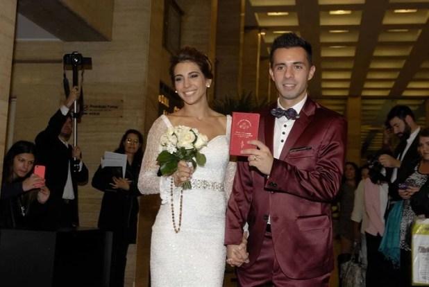 Imagen de archivo Cinthia Fernández y Matías Defederico, en el día de su casamiento / Movilpress