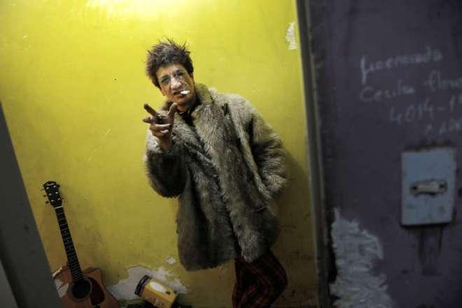 Pity Álvarez, cantante de Viejas Locas, llegó 8 horas tarde a un recital y provocó un escándalo. (Foto: Martín Bonetto / Archivo Clarín)