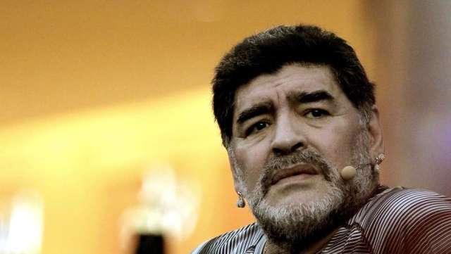 Diego Maradona contra todos: palos para Jorge Sampaoli, Sebastián Verón y Juan Román Riquelme