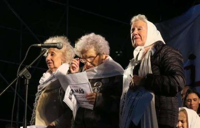 """Hebe de Bonafini criticó a las otras madres y a las abuelas de Plaza de Mayo que marcharon: """"Fueron débiles"""""""