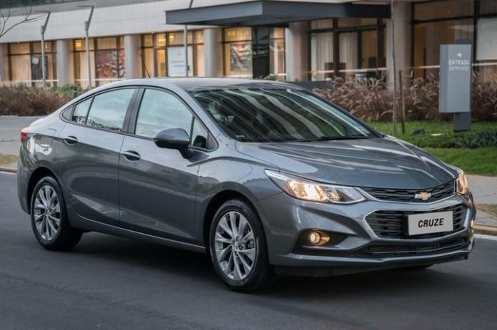 Chevrolet Cruze. El descuento sobre la versión LT 5 puertas es de $ 289.250