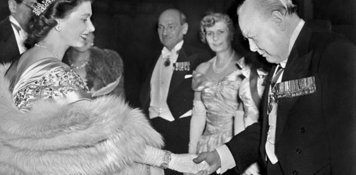 Resultado de imagen para Fotos reina Isabel II y Winston Churchill.