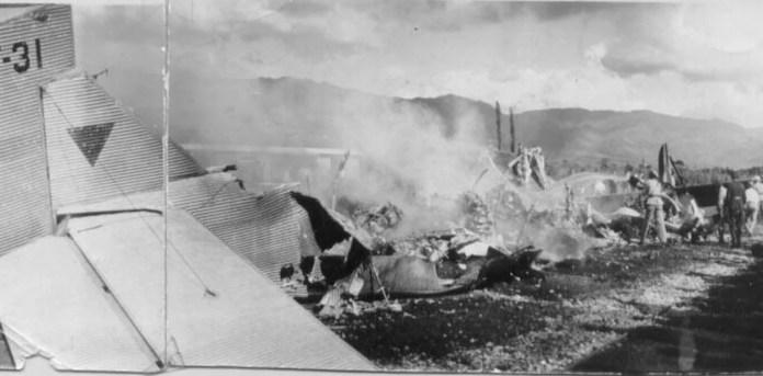 Resultado de imagen para Fotos del choque de los dos aviones en el que falleció Carlos Gardel.