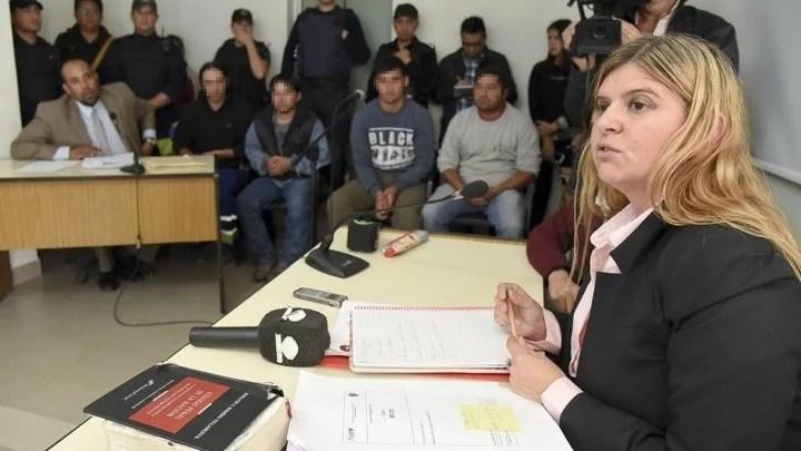 La fiscal Camila Banfi, durante la audiencia de imputación contra los acusados. (EL PATAGONICO)