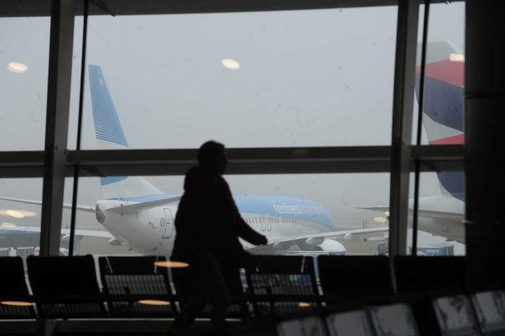 Cancelan vuelos de Aerolineas Argentinas en Aeroparque. (Foto German Garcia Adrasti archivo)
