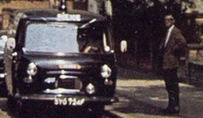 Los misterios de la tapa de Abbey Road. La chapa SYD - 724F; del movil policial de The Beatles al Rolls Royce de los Oasis.