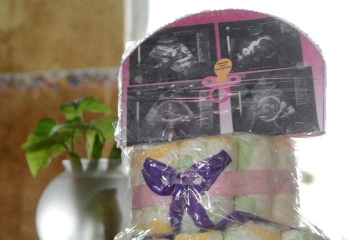 Los preparativos que habían hecho Eduardo y Griselda en su casa para recibir a las dos bebas, con las ecografías que diagnosticaban un embarazo gemelar. (Andrés D'Elía)