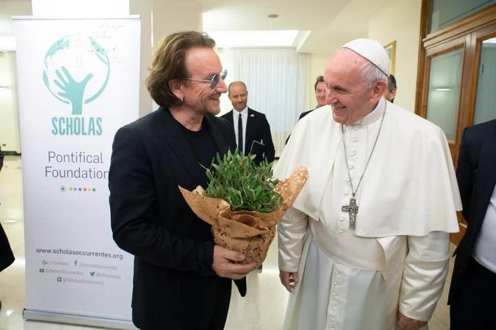 Bono. En una visita al Papa Francisco durante 2018.