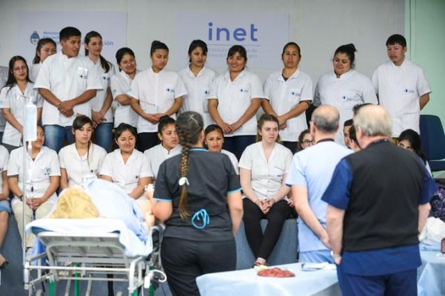 Los estudiantes presenciaron la mostración del simulacro. Andrés D'elía.