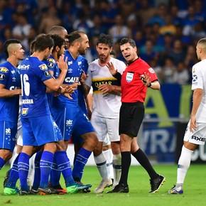 Cruzeiro-Boca: el acierto del árbitro que salvó al equipo de Guillermo y a Rossi