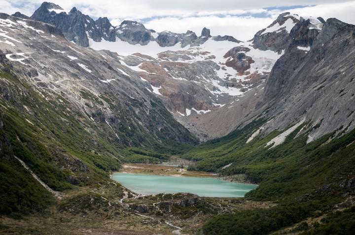 Laguna Esmeralda, cerca de Ushuaia, escenario de del Ultra Trail du Mont Blanc, la carrera de montaña más famosa del mundo.