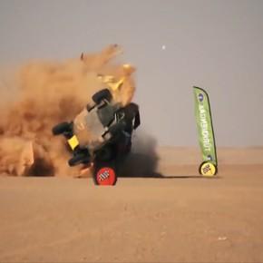 Dos buggies salieron volando en un brutal choque en la Africa Eco Race