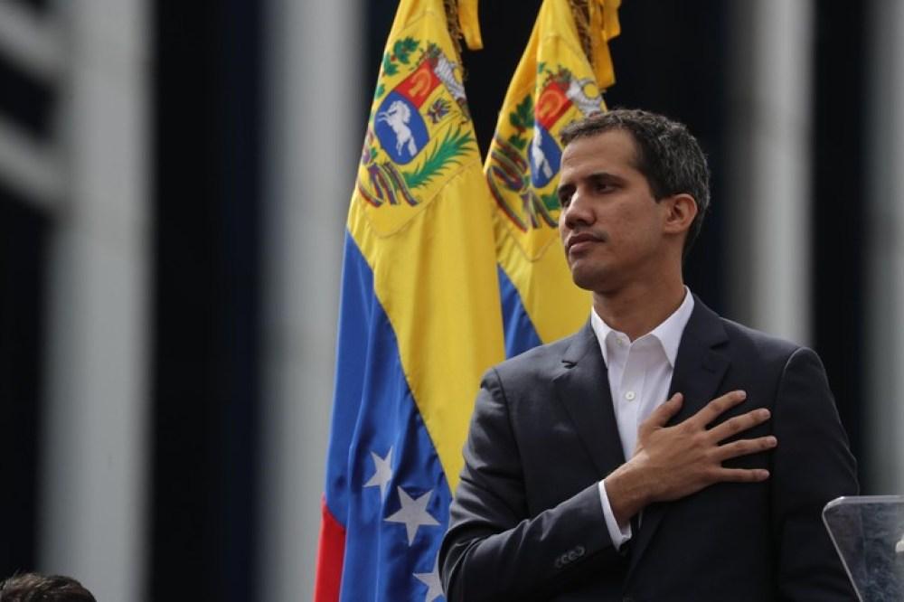El presidente del Parlamento venezolano, Juan Guaidó, anunció el miércoles que asumía las competencias del Ejecutivo. EFE/ Miguel Gutiérrez