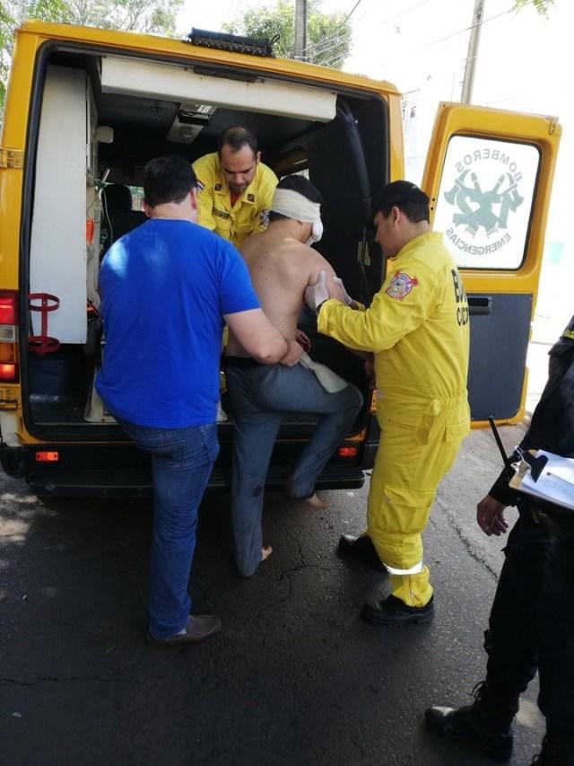 Ugo fue atendido por las autoridades y trasladado al hospital.