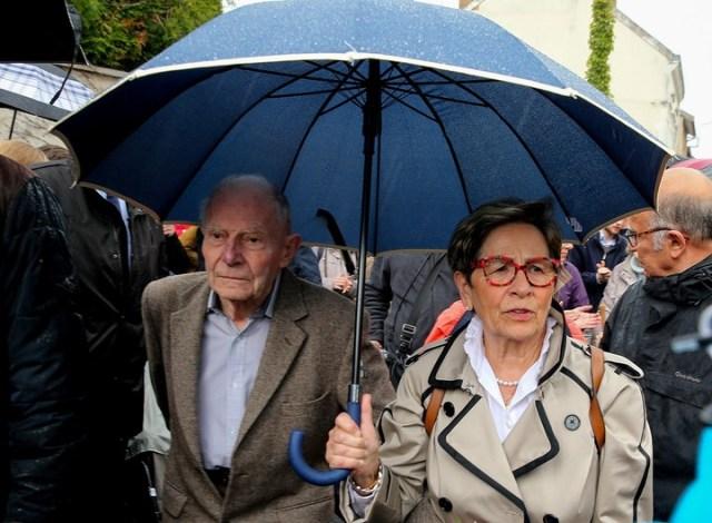 Una de las marchas contra la eutanasia en Francia, con los padres de Lambert a la cabeza.