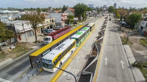 El Metrobus de Quilmes recorre 8,7 kilómetros sobre avenida Calchaquí.