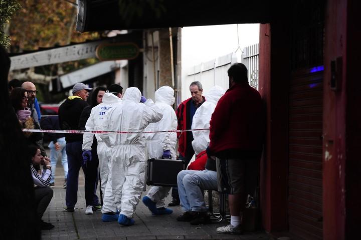 La Policía Científica trabajó todo el domingo en la casa del diácono Guillermo Luquin (Juan Manuel Foglia)