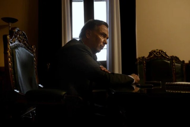 Miguel Pichetto, este jueves, en su despacho del Senado. Ya se reunió con Jaime Durán Barba para hablar de la campaña.