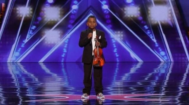 Tyler comenzó a tocar el violín a los 7 años y medio  (captura de pantalla).