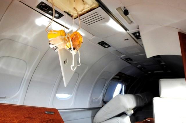 Pareciera como si el avión hubiera sido saqueado.  Foto: Luciano Thieberger.