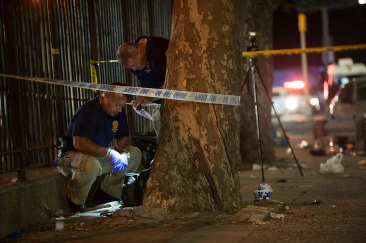 Las imágenes, tras el tiroteo en Brooklyn que dejó un muerto y varios heridos. REUTERS/Lloyd Mitchell