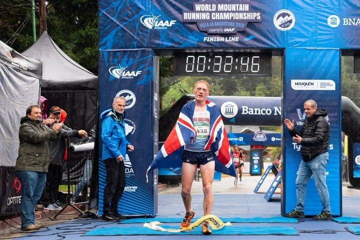 El británico Joseph Dugdale se consagró campeón mundial junior de montaña en Villa La Angostura. Foto: Prensa K42