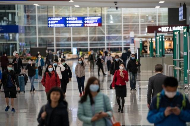 Medidas de precaución en el aeropuerto de Hongk Kong. (DPA)
