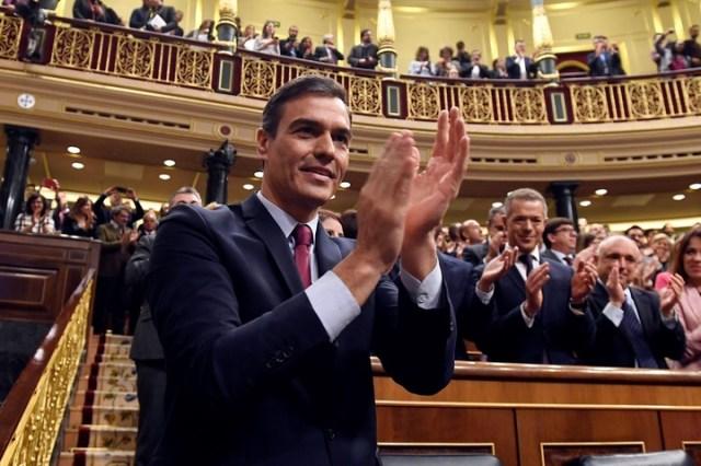 El presidente del gobierno español, el socialista Pedro Sánchez, defendió el proyecto que busca legalizar la muerte digna. /AFP