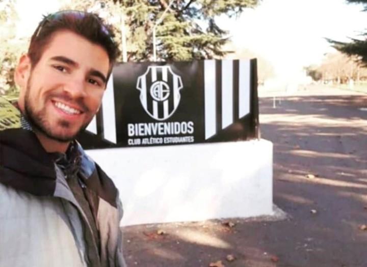 Agustín Vernice en el club Estudiantes de Olavarría. Foto Twitter @GPSportsArg