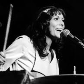 She was a privileged voice from the 70s, but she died at the age of 32 between sadness and anorexia: the tragic life of Karen Carpenter