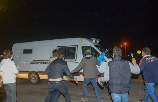 Llegada de Lazaro Báez al Country Ayes del Pilar donde vecinos le negaron la entrada. Foto: Rafael Mario Quinteros