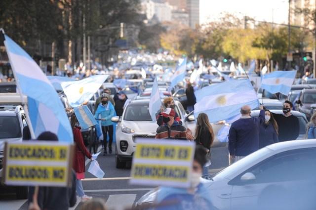 Masiva movilización contra el Gobierno en el Obelisco. Foto Martín Bonetto.