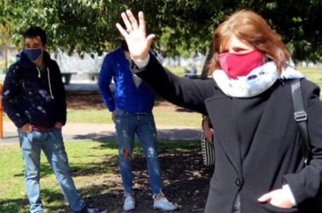 Patricia Bullrich durante una charla con estudiantes en el Parque Las Heras para analizar la problemática de la educación en pandemia. Fotos JPRO