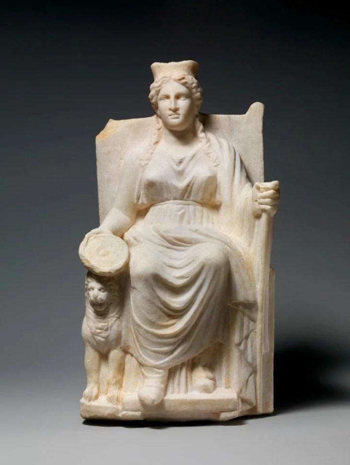 El imperio romano hacía 3 días de festividad por Cibeles, Diosa Madre.