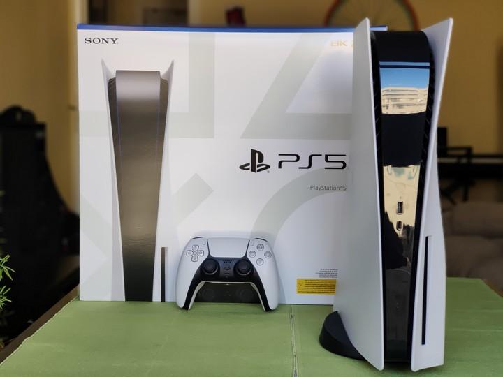La consola PlayStation 5 en su edición para juegos en formato físico. Foto: DPA.