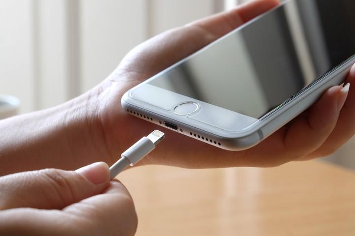 La clave está en evitar que el teléfono se vacié por completo. Foto: Shutterstock