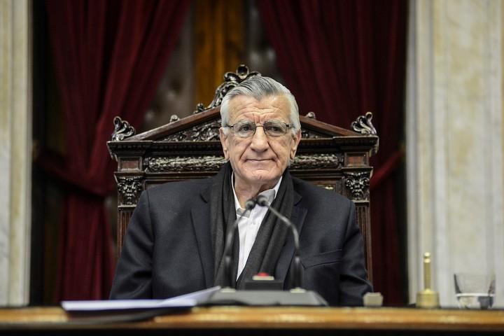 José Luis Gioja, one of the signatories.