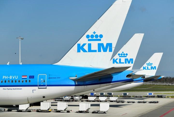 Aviones de KLM estacionados en Aeropuerto Schiphol, Amsterdam. Foto Reuters/Piroschka van de Wouw/File Photo.