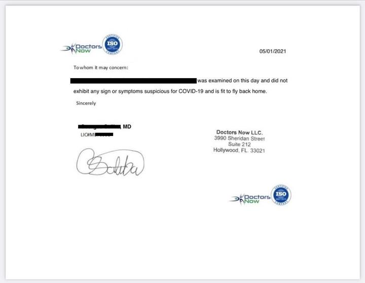 El certificado que entregó el joven en el que dice que no tenía síntomas de covid-19 antes de viajar.