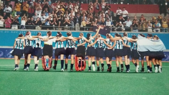 Las Leonas in Sydney, with the first Olympic podium in Argentine field hockey.