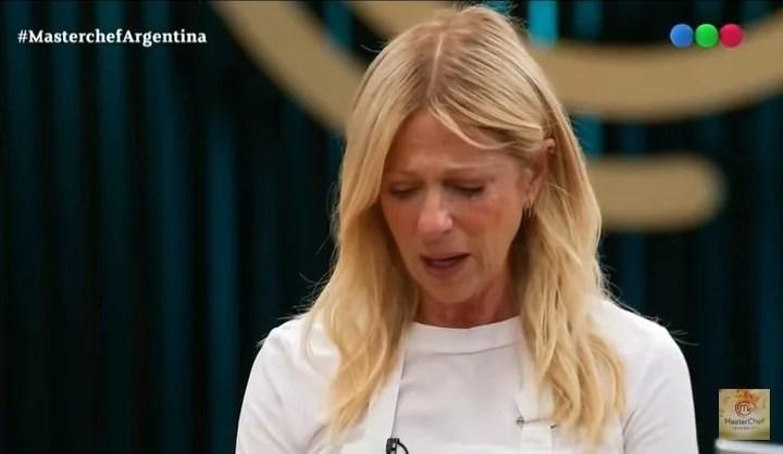 Claudia Fontán, devastated at MasterChef Celebrity.  TV Capture