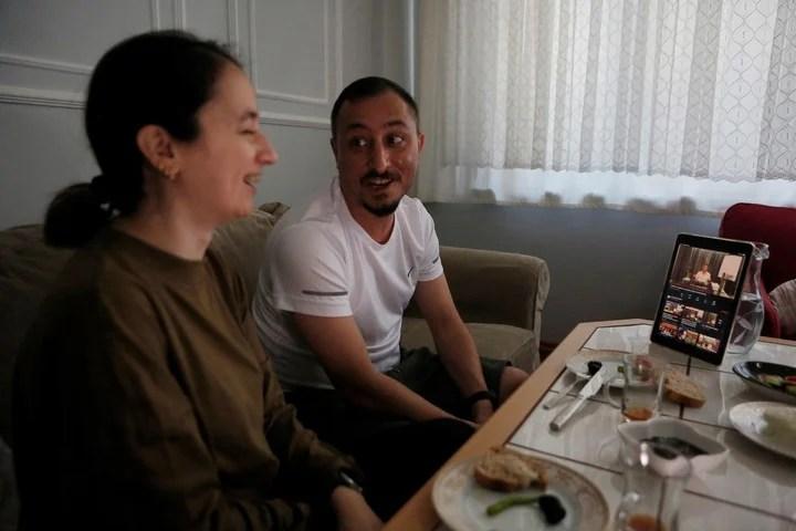 Alparslan Atas and his wife react to the mafia boss's complaints.  Photo: AP