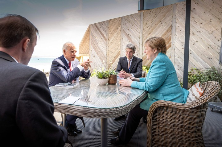 Joe Biden met this Saturday with the head of the German government, Angela Merkel, in the framework of the G7 summit.  in Great Britain.  Photo: AFP