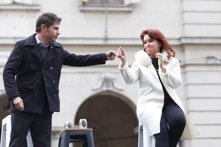 Cristina Kirchner con Axel Kicillof, en un acto en La Plata.