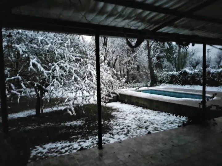 The snow came to the Cordoba city of Unquillo.